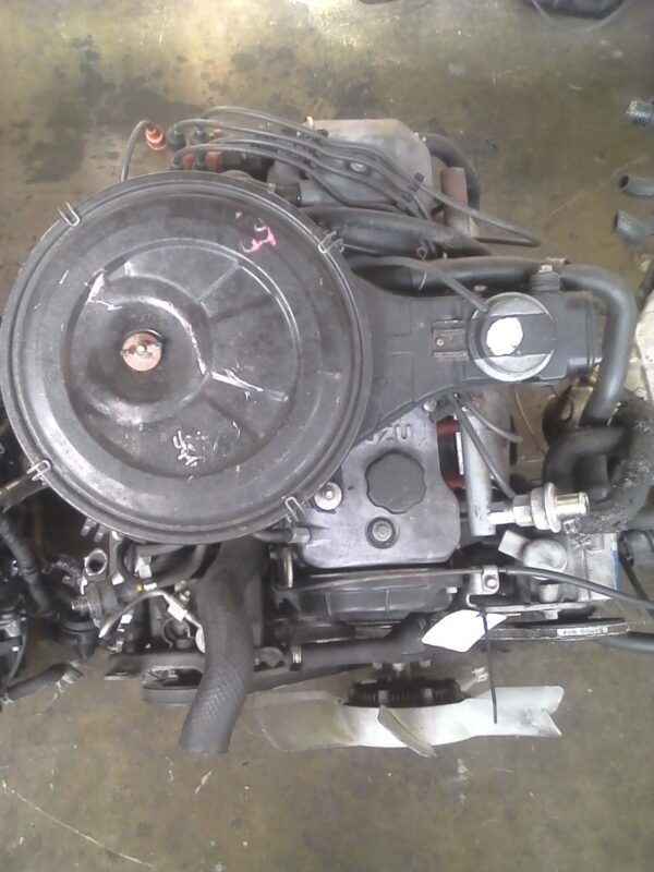 Isuzu 2.0 Carb Engine