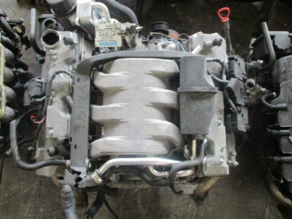 Mercedes E220 engine